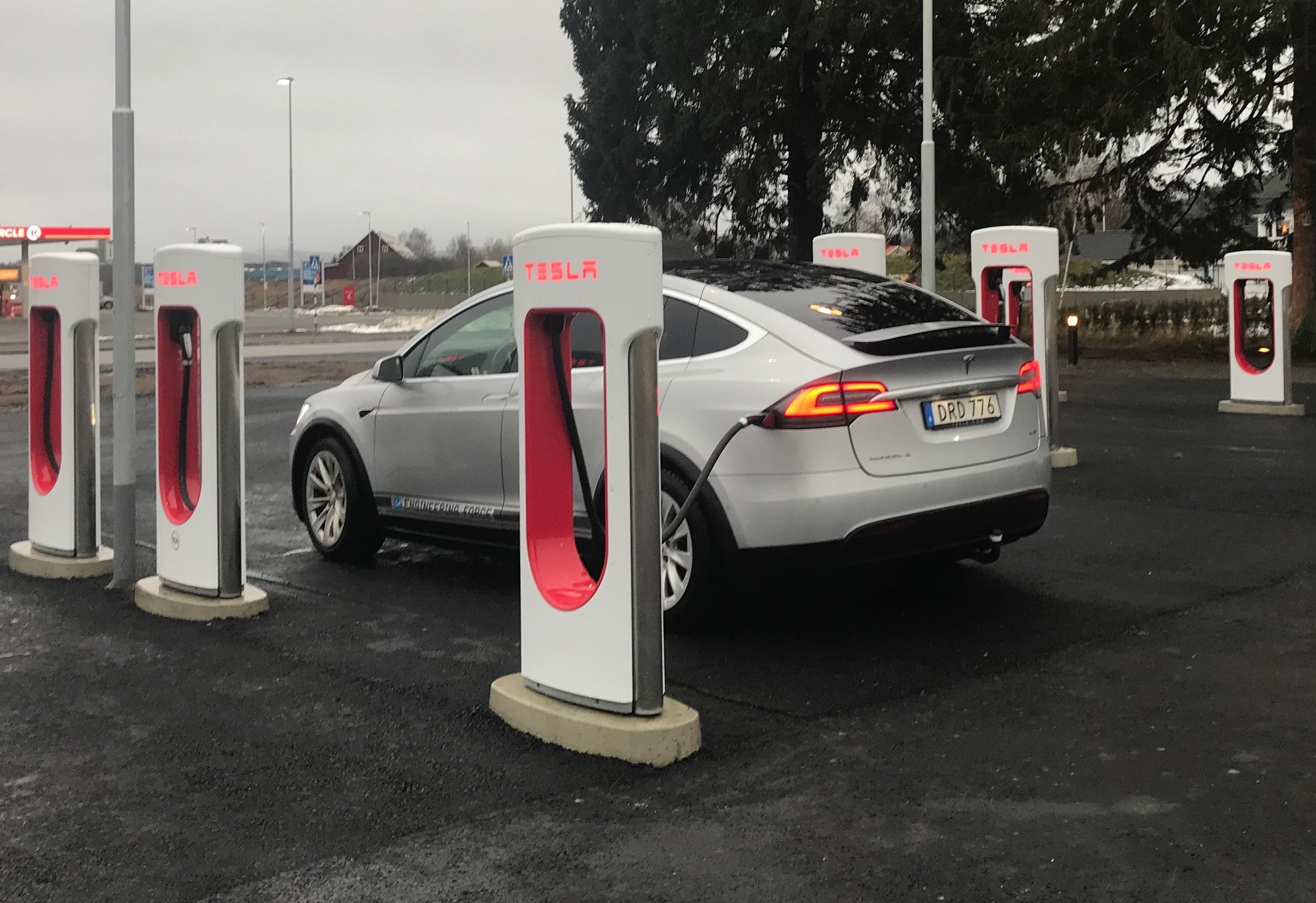 Tesla Supercharger Ulricehamn